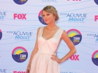 Taylor Swift2 Teen Choice Awards In California