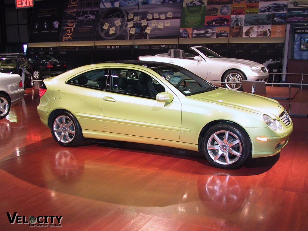 Sports cars mercedes benz clc sports coupe picture for Sport car mercedes benz