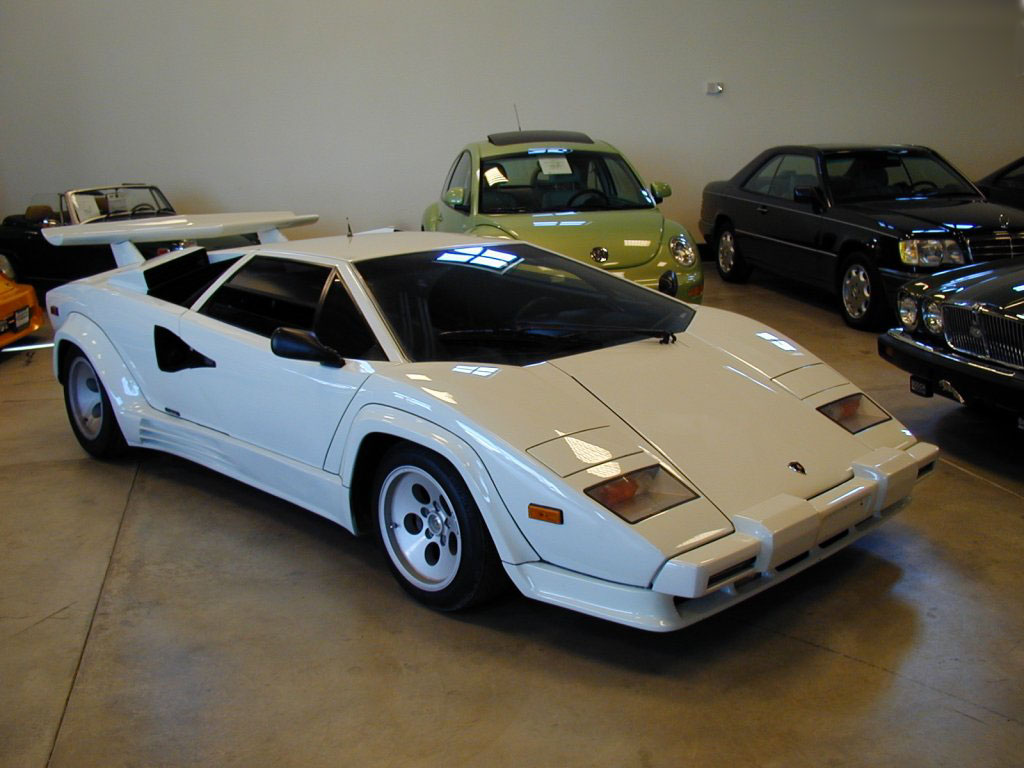 latest cars zone lamborghini countach wallpapers 2010. Black Bedroom Furniture Sets. Home Design Ideas