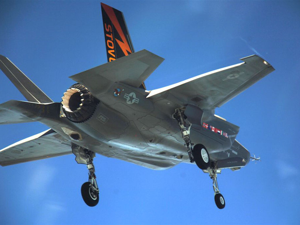 Military aircraft 85