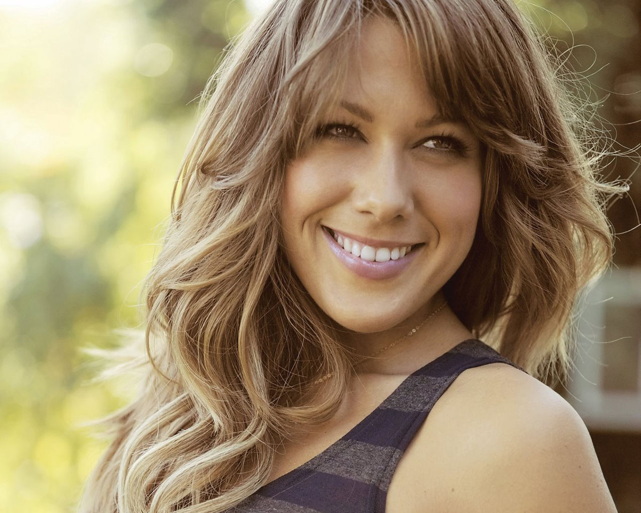 colbie caillat height