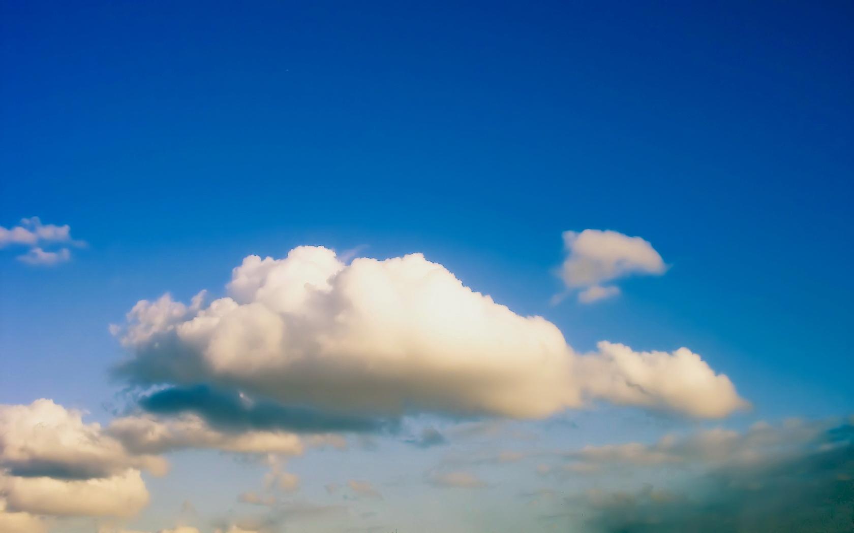 Облака в голубом небе  № 1665978 загрузить