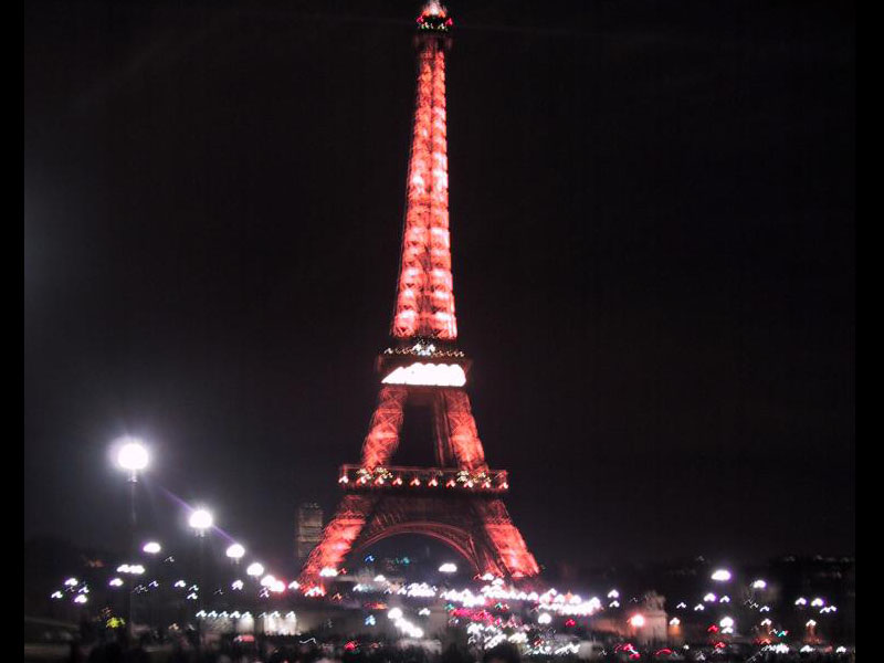 eiffel tower new years eve 2001