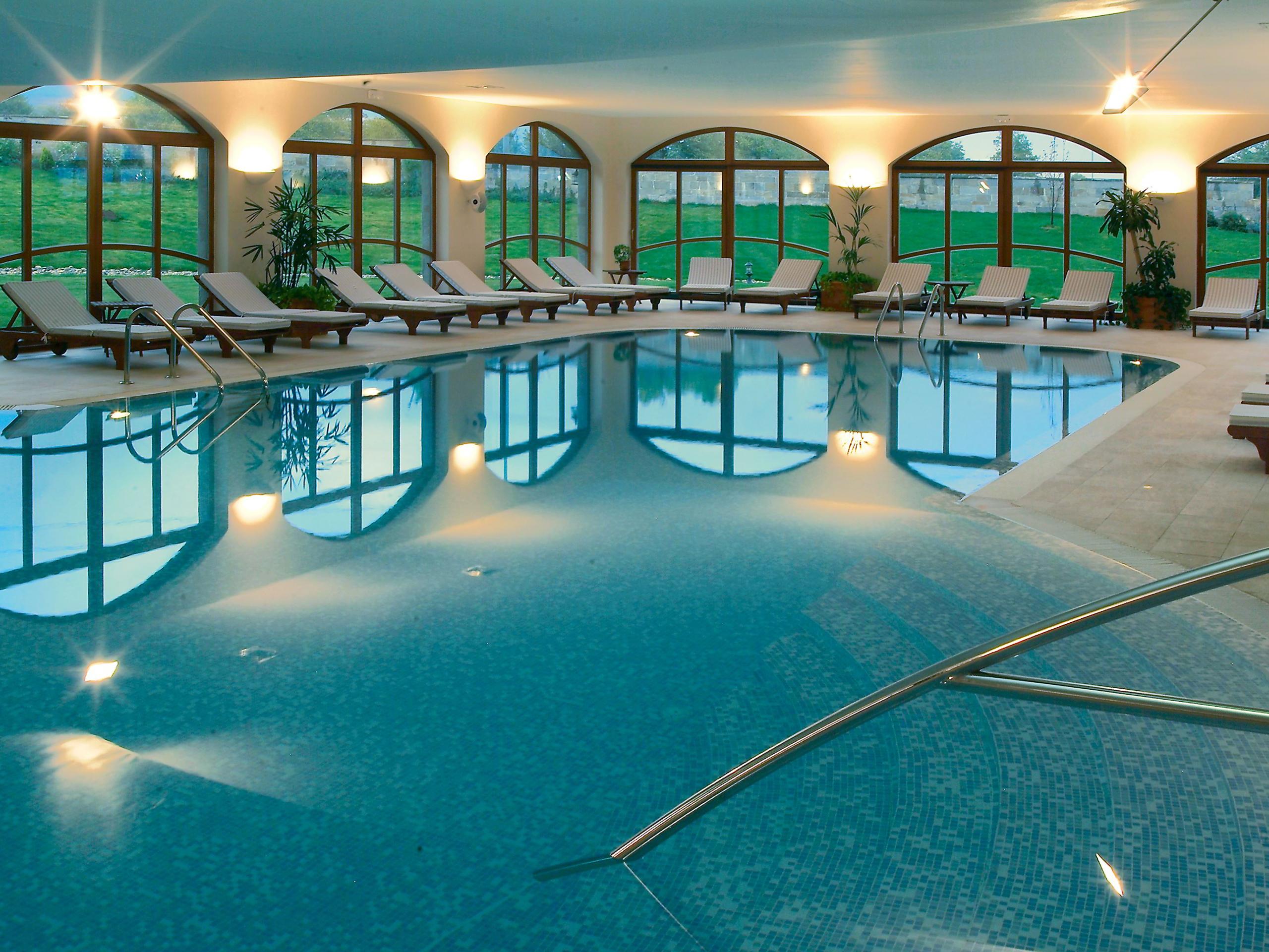 Gorgeous Swimming Pool Slides Design Ideas For House