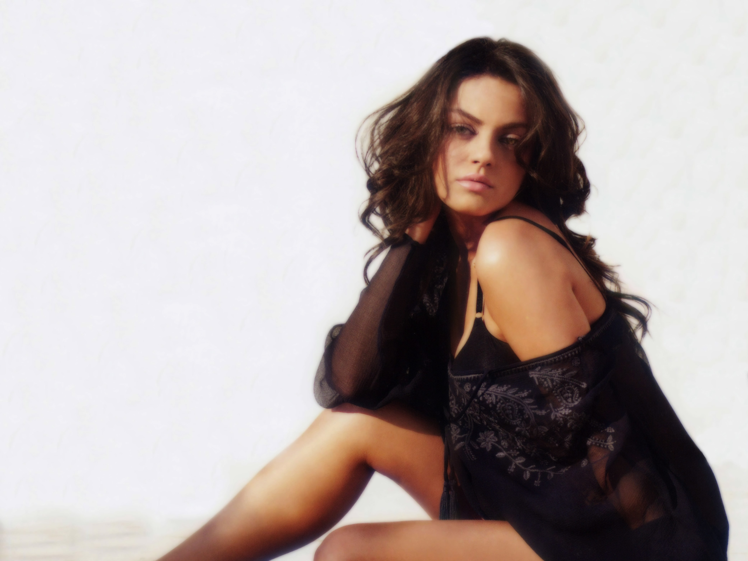 mila kunis | free desktop wallpapers for widescreen, hd and mobile