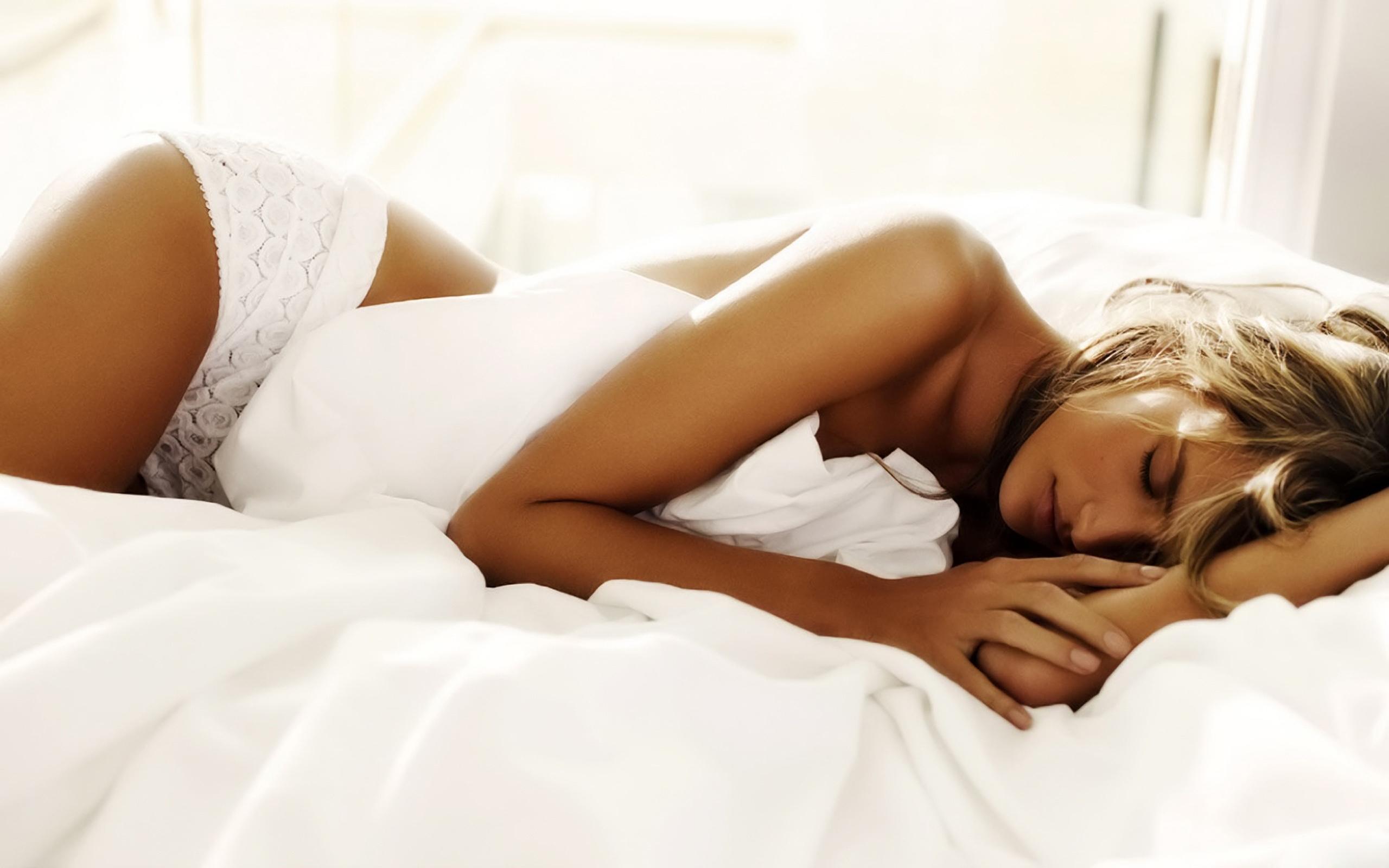 Фото беременных девушек на кровати 22 фотография