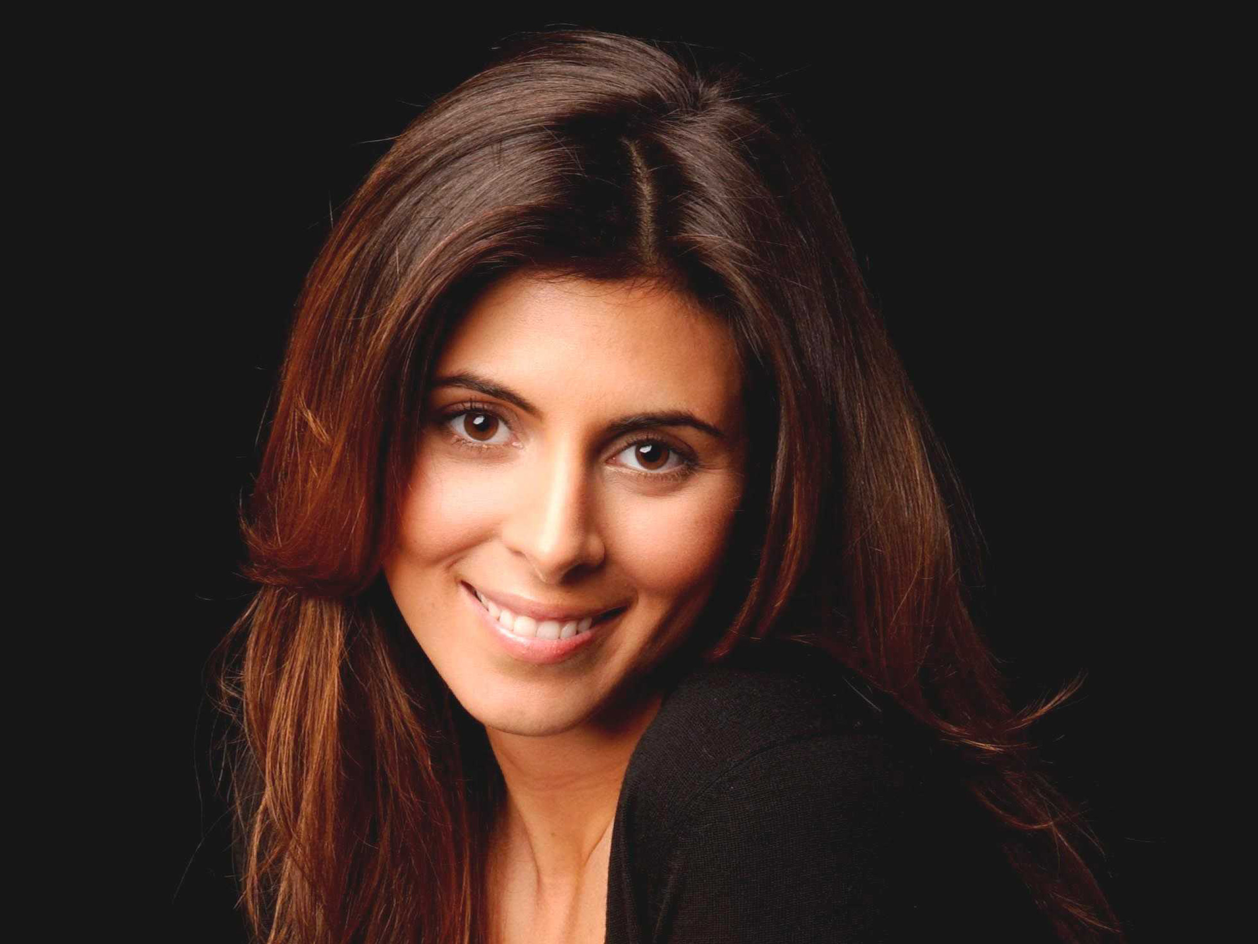 The 36-year old daughter of father (?) and mother(?), 164 cm tall Jamie-Lynn Sigler in 2017 photo