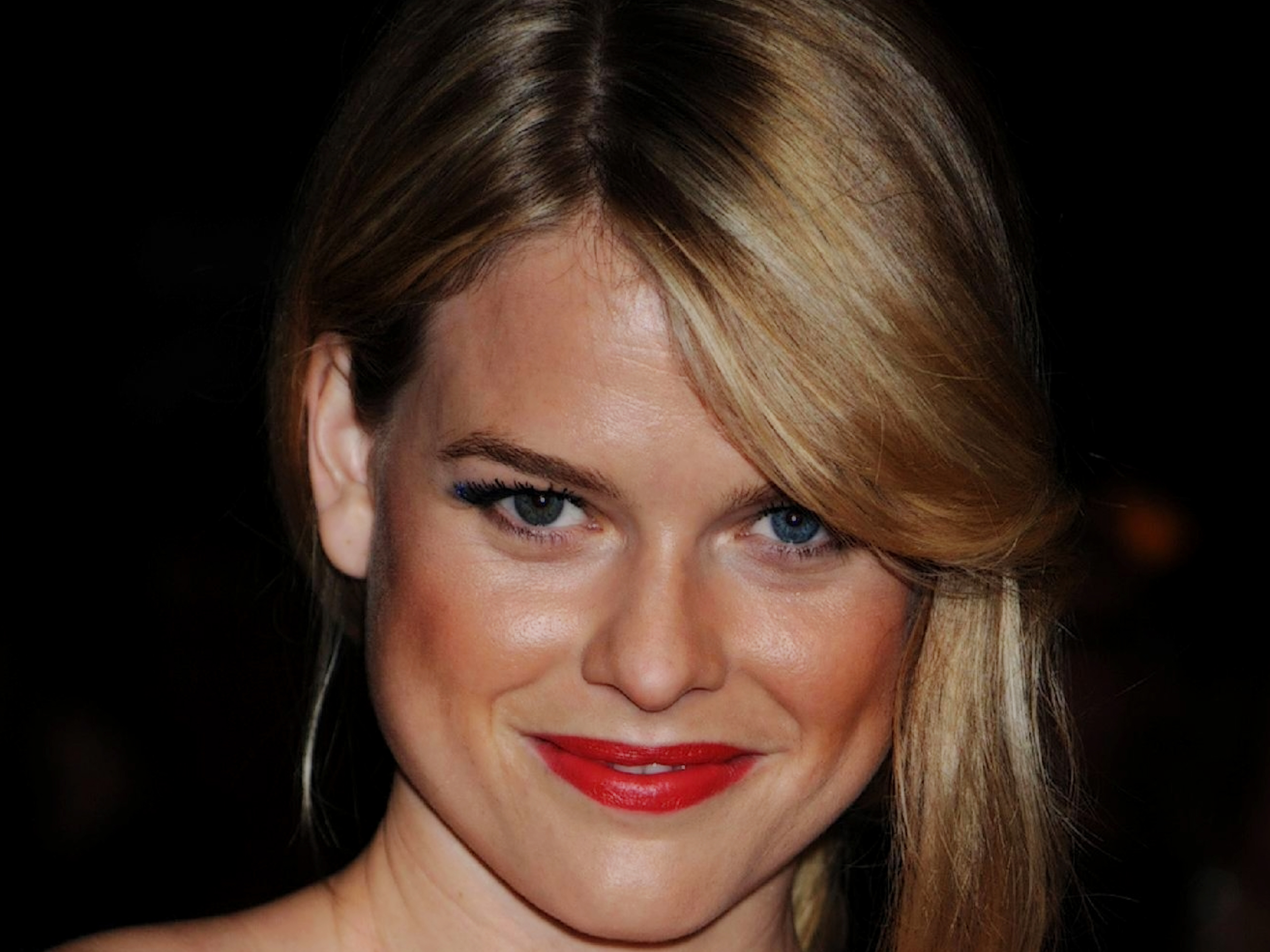 Alice Eve | Free Desktop Wallpapers for HD, Widescreen and ...