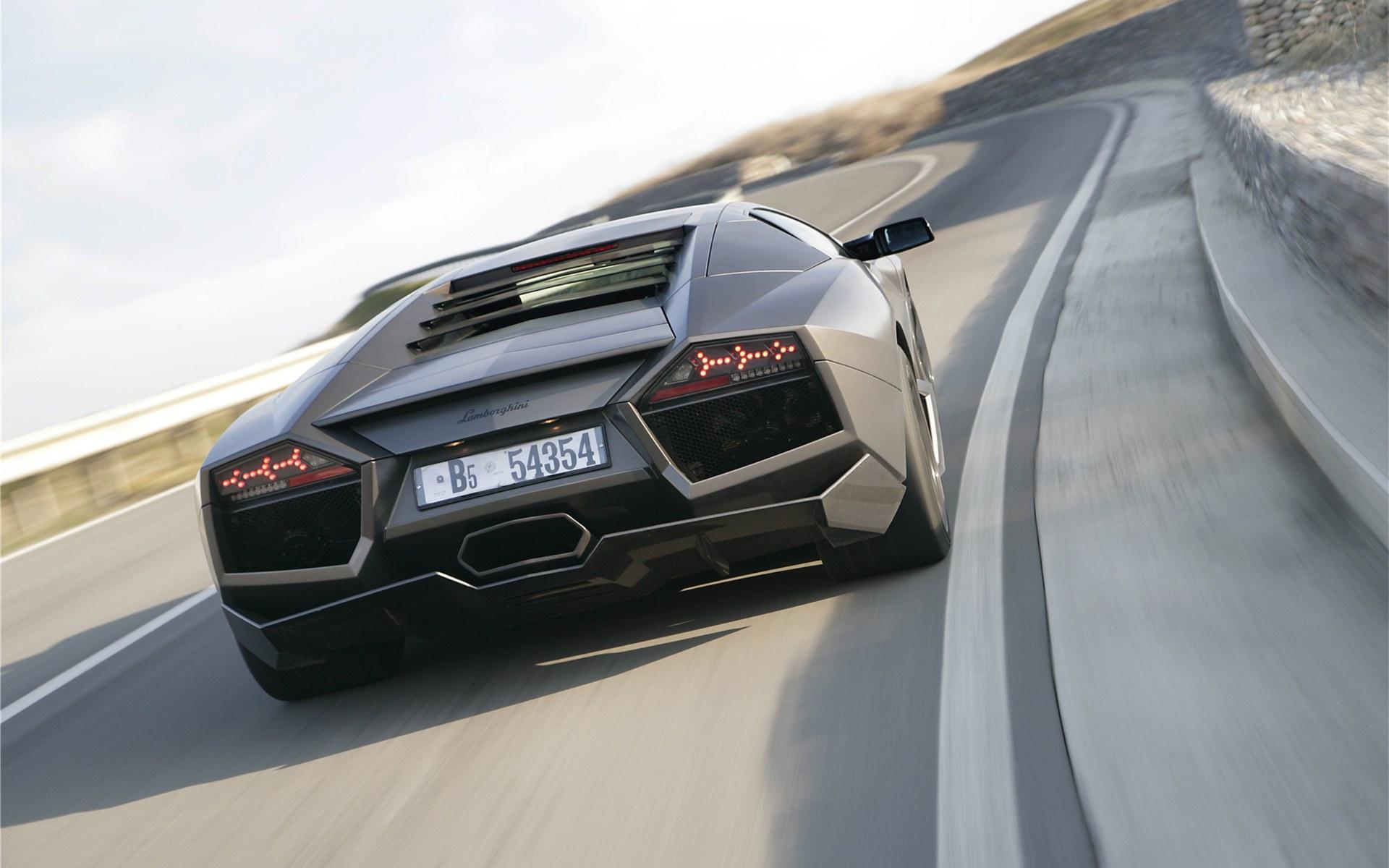 Lamborghini-Reventon-17