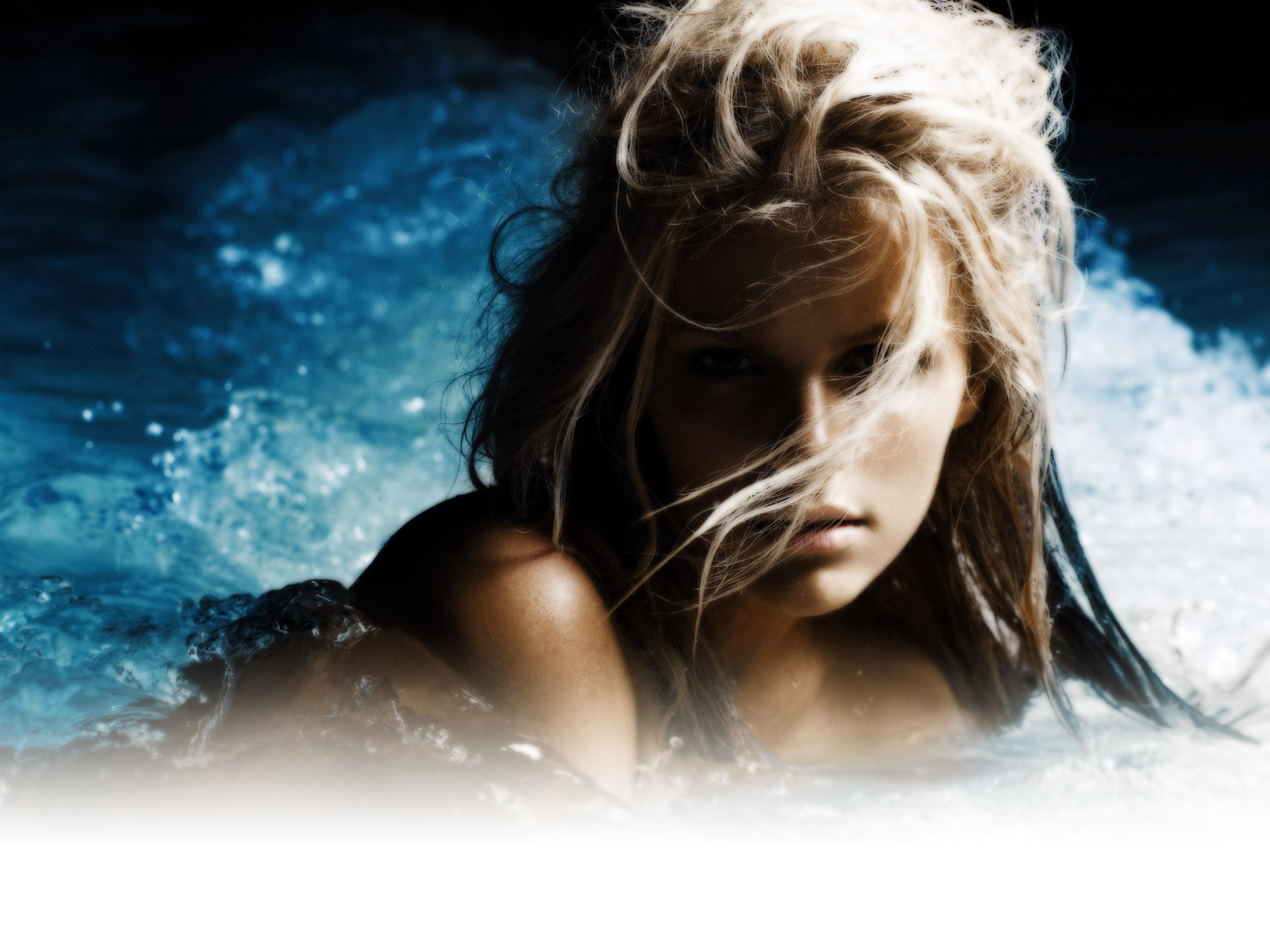 Фото девушки в воде 10 фотография