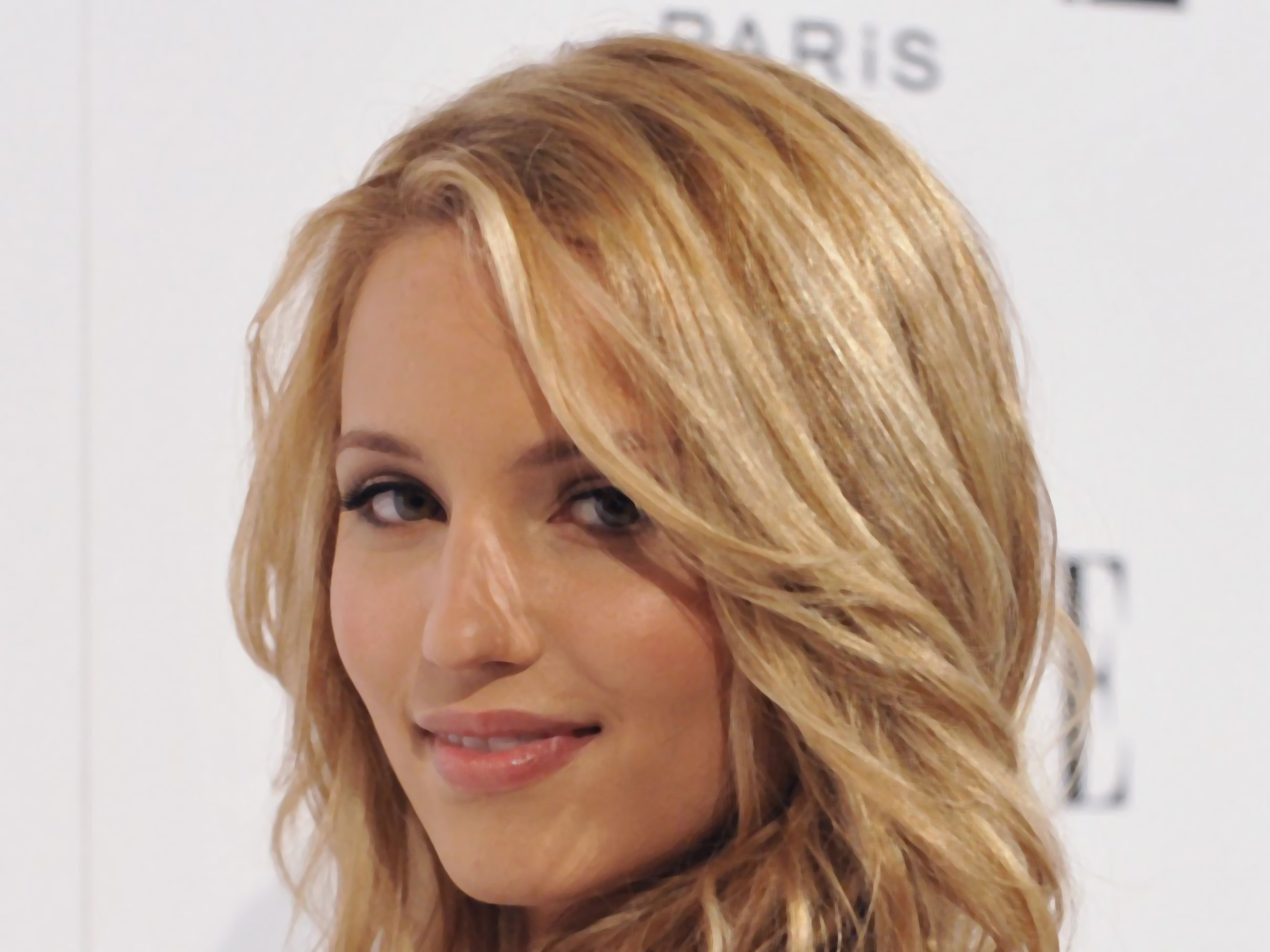 Download this Dianna Agron Wallpapers picture