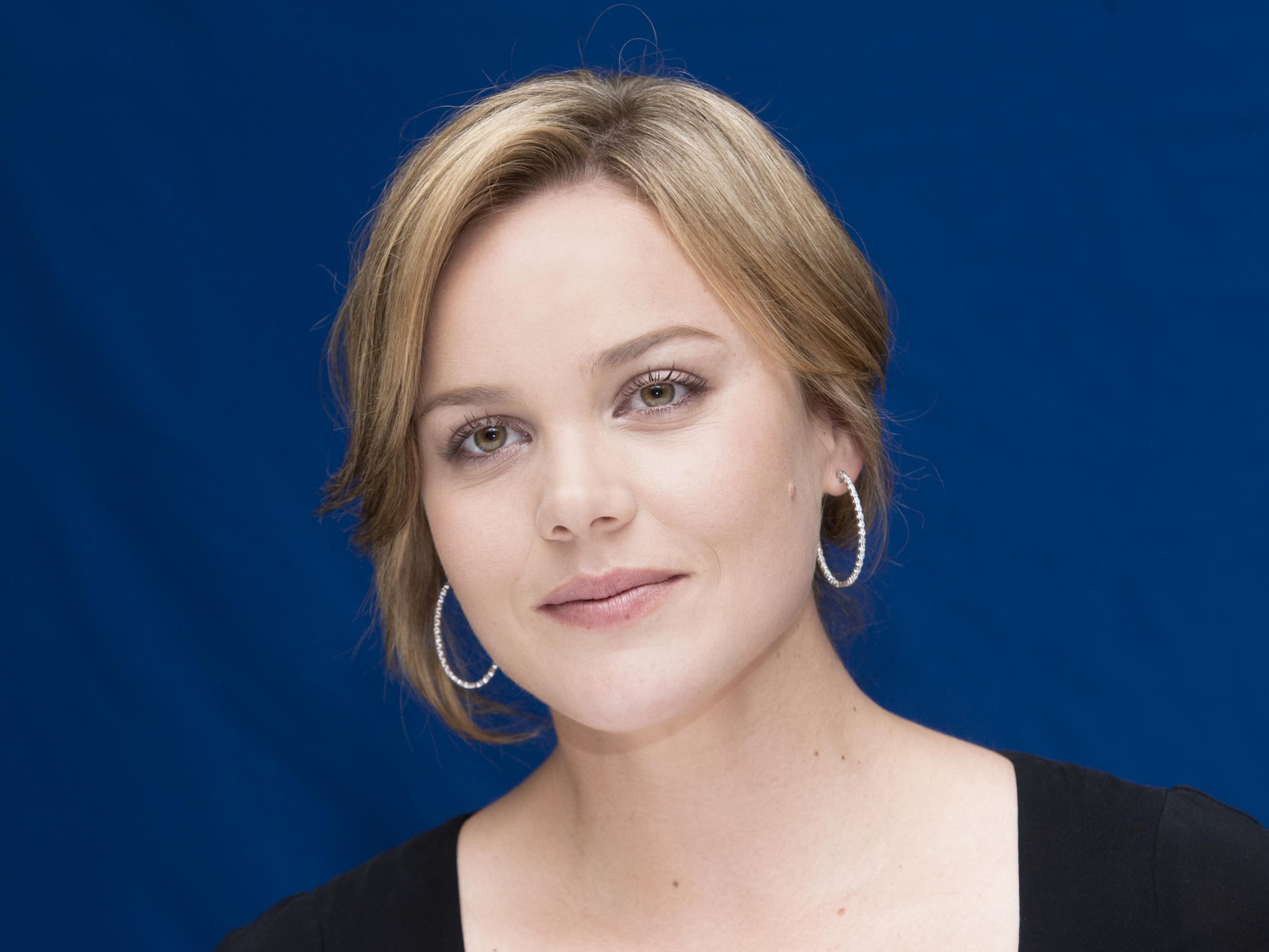 Abbie Cornish | Free Desktop Wallpapers for HD, Widescreen and Mobile ... Abbie Cornish