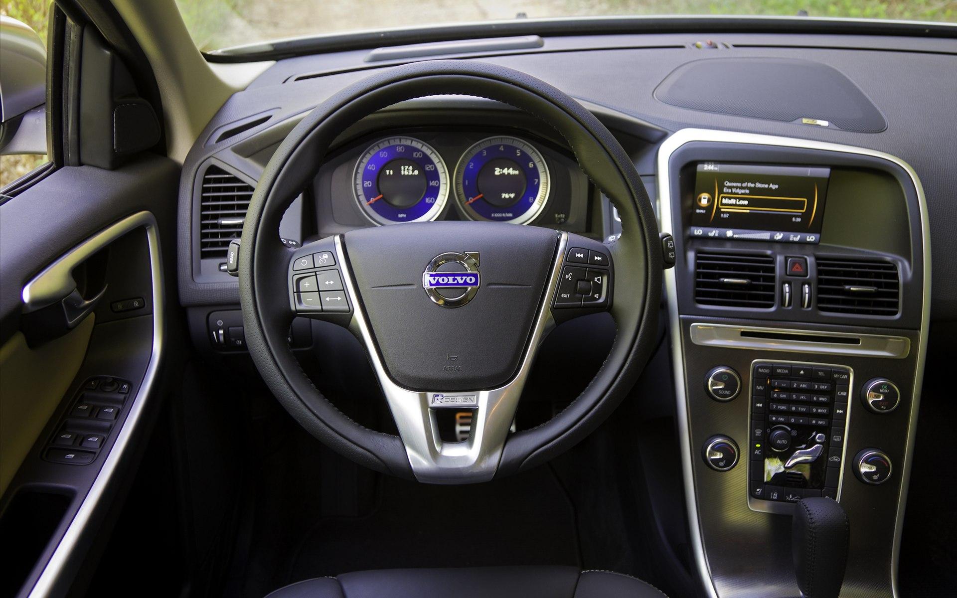 Volvo XC602 Images