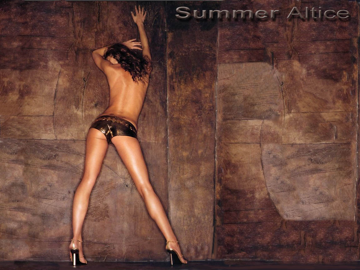 http://www.thewallpapers.org/photo/4988/Summer_Altice-007.jpg