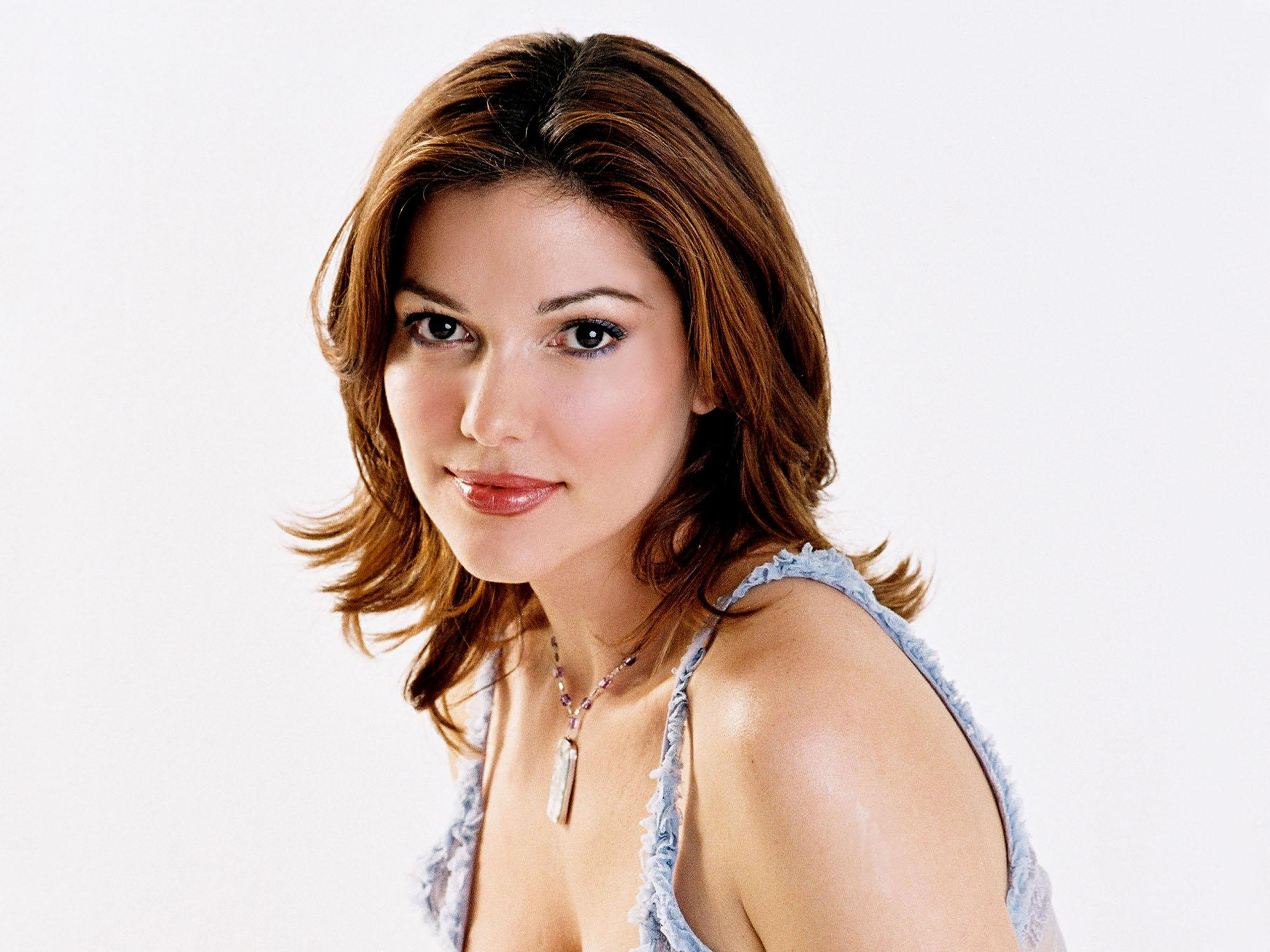 Laura Harring contact