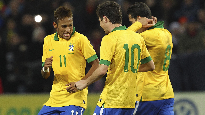 Ronaldinho And Neymar Wallpaper 22244 Loadtve